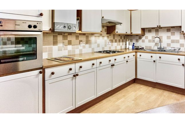 3 bed flat for sale in High Street, Portsmouth PO1