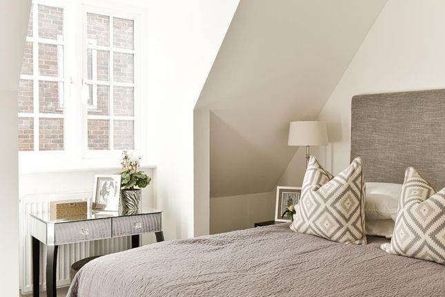 Bedroom of Hare Lane, Claygate, Esher KT10