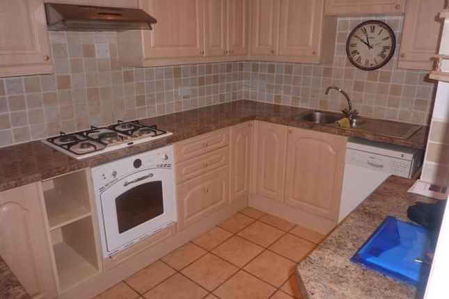 3 bed flat to rent in Comiston Drive, Morningside, Edinburgh EH10