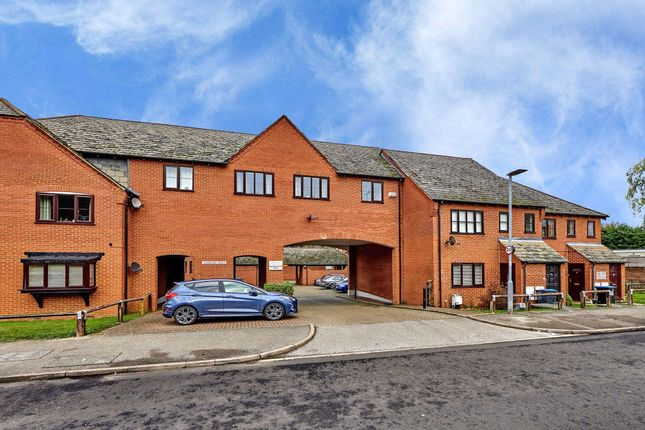 Thumbnail Flat to rent in Saddlers Mews, St Albans, Herts