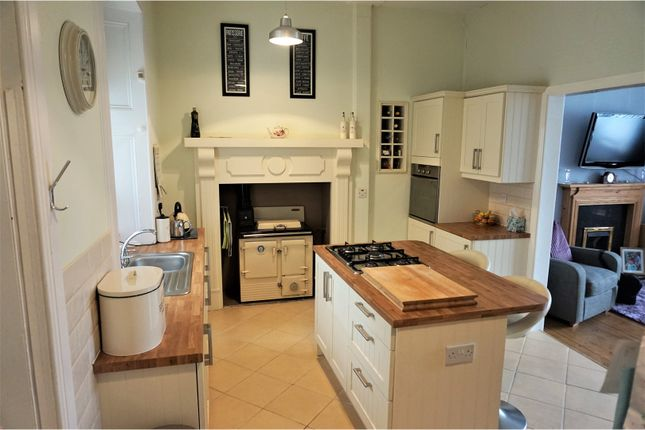 Thumbnail Detached house for sale in Hyndford Road, Lanark