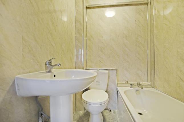 Bathroom of Roslea Drive, Dennistoun, Glasgow G31