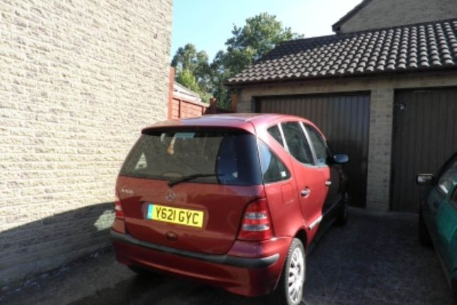 Parking/garage to rent in Whatcombe Road (Garage), Frome, Somerset