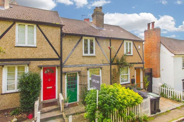 Thumbnail Cottage for sale in Lower Road, Loughton