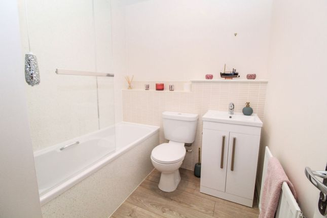 Family Bathroom of Rennison Mews, Blaydon NE21