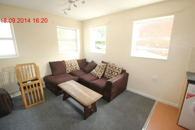 Thumbnail Flat to rent in Bristol Road South, Selly Oak, West Midlands