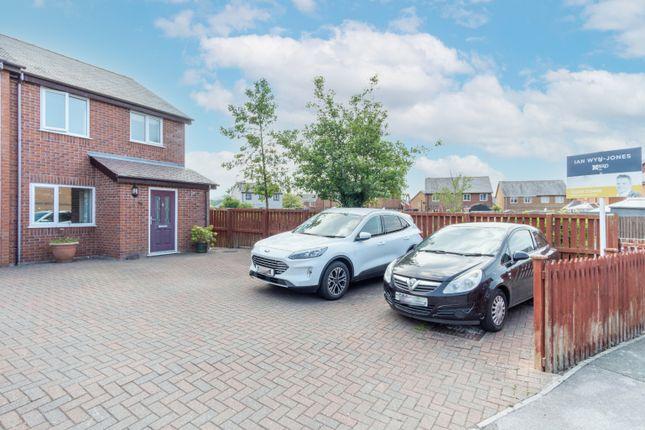 Thumbnail End terrace house for sale in Maes Meddyg, Caernarfon