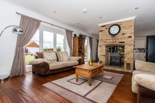 Thumbnail Detached bungalow for sale in Lower Avenue, Bowers Gifford
