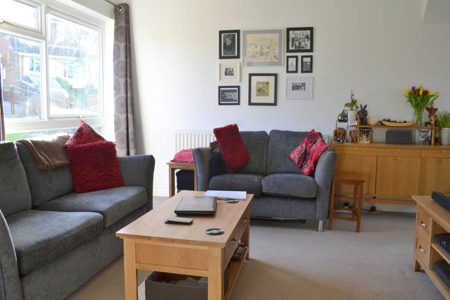 Thumbnail Property to rent in Lingfield Road, Newbury