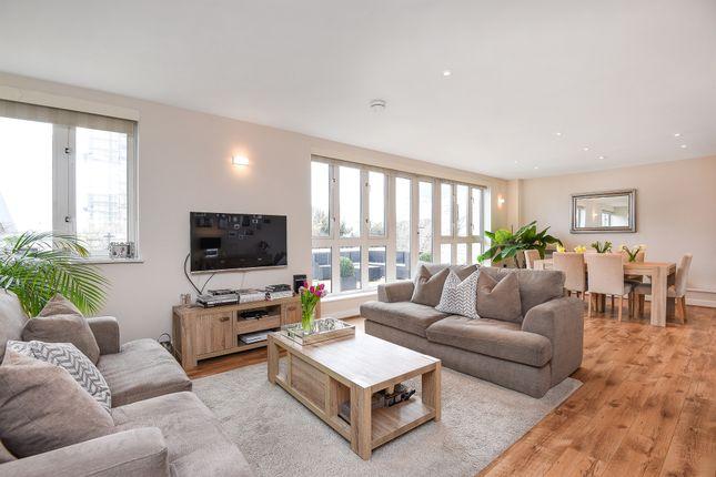 Thumbnail Penthouse for sale in Park Lane, Croydon