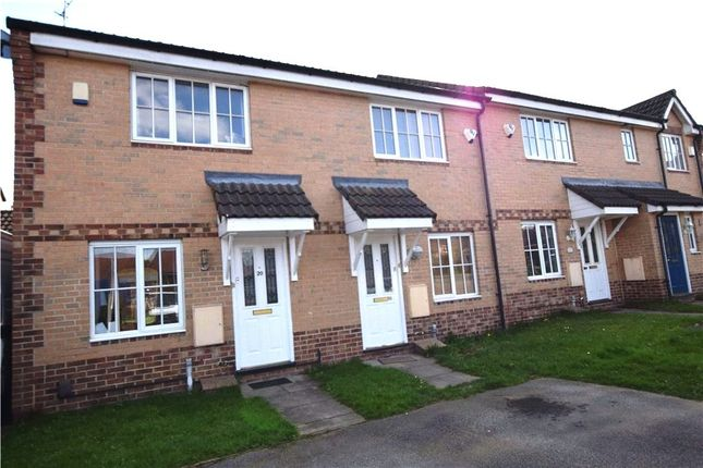 Thumbnail Town house for sale in Pitchstone Court, Leeds, West Yorkshire