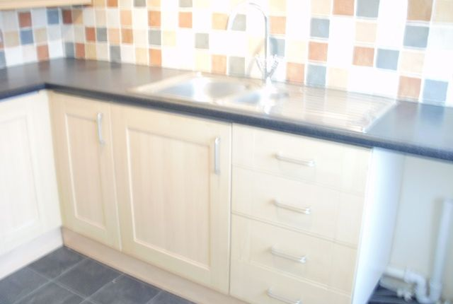 2 bed flat to rent in 18 Palace Avenue, Paignton
