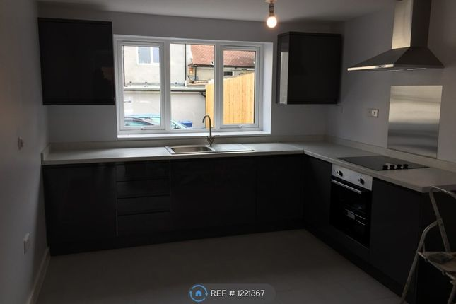 1 bed flat to rent in Bean Court, Sittingbourne ME10
