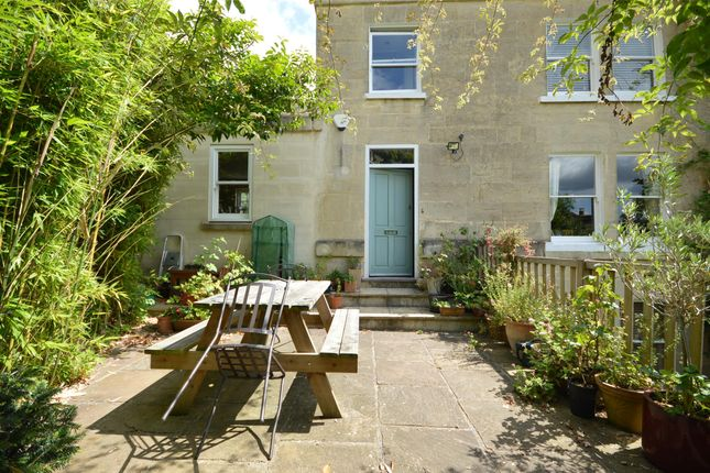 Thumbnail Terraced house to rent in Upper Camden Place, Bath