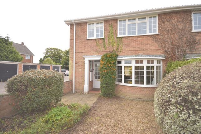 3 bed town house for sale in St. Thomas Park, Lymington