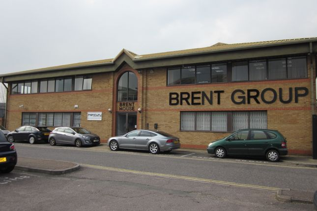 Thumbnail Office to let in Travellers Lane, Welham Green