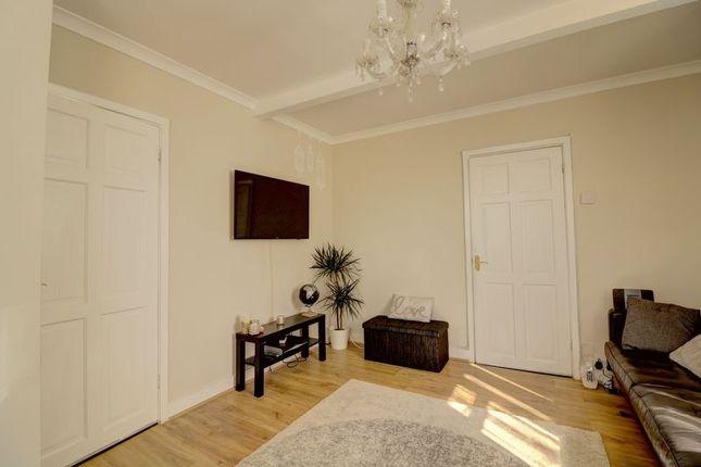 Living Room of Woodhouse Road, London N12