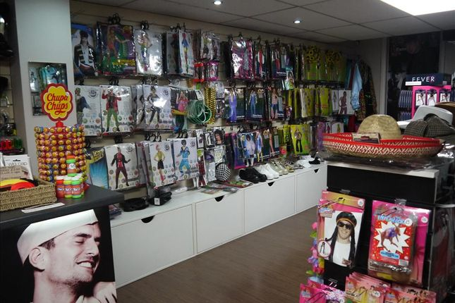 Retail premises for sale in Fancy Dress/Party Wear HD1, West Yorkshire