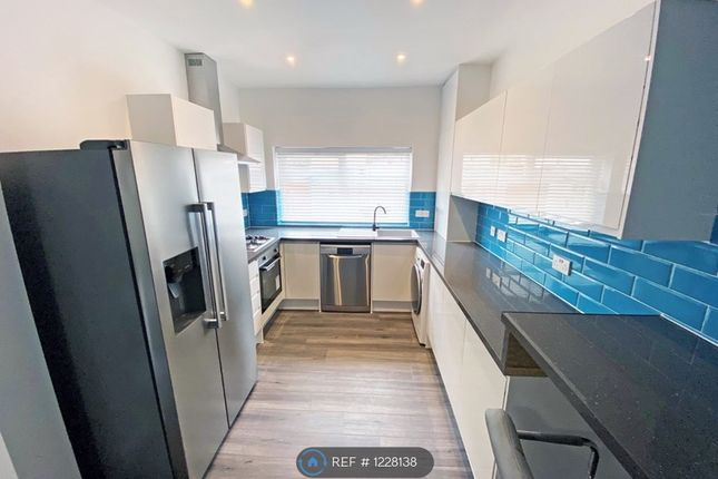 Thumbnail Terraced house to rent in Leopold Road, Kensington