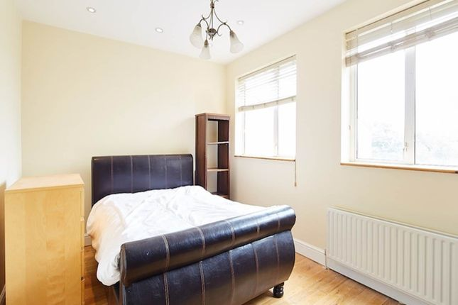 Thumbnail Property to rent in Voss Street, London