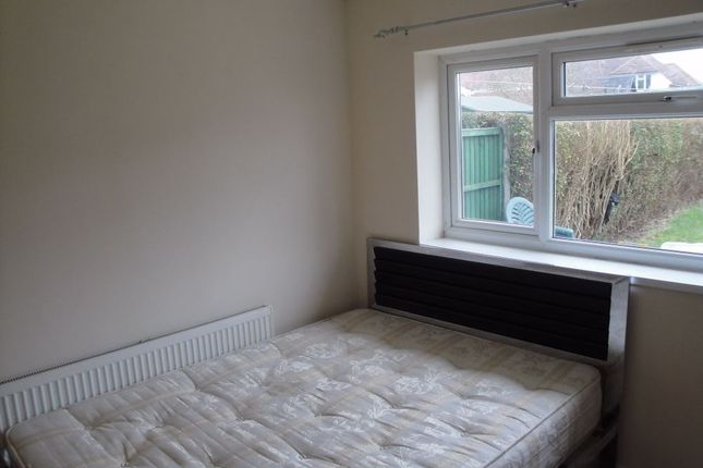 1 bed flat to rent in Minet Drive, Hayes