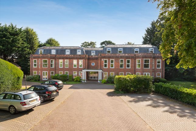 4 bed flat for sale in Brinkworth Place, Burfield Road, Old Windsor, Berkshire SL4