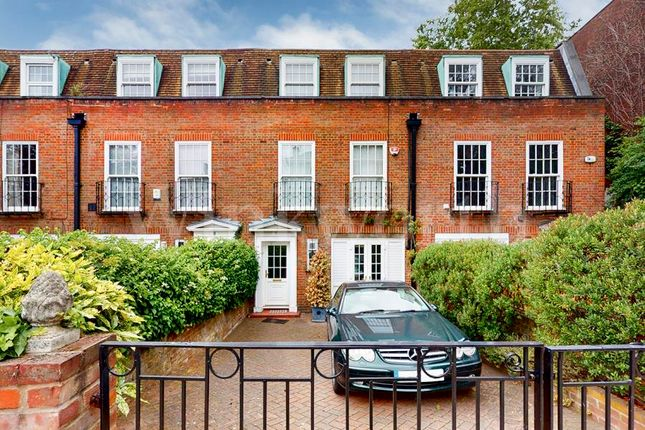 Thumbnail Property for sale in Belsize Road, London