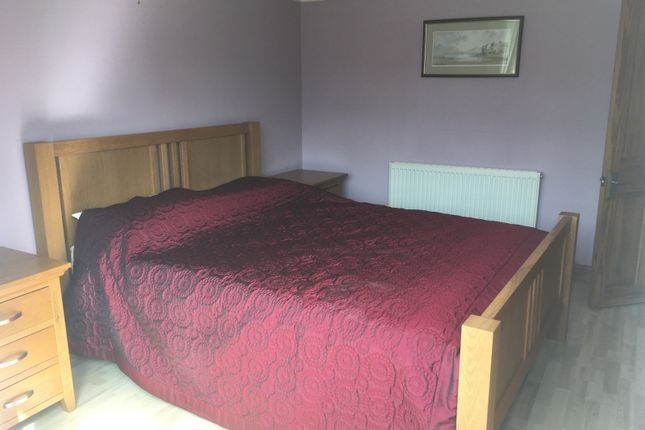 Room to rent in Lingfield Avenue, Yeovil BA21
