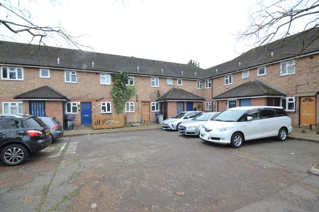 Flat to rent in Bowes Court, Finchley