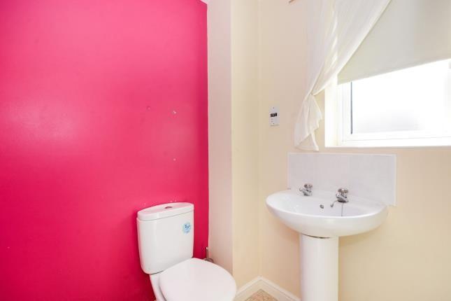 En-Suite of East Street, Warsop Vale, Mansfield, Nottinghamshire NG20