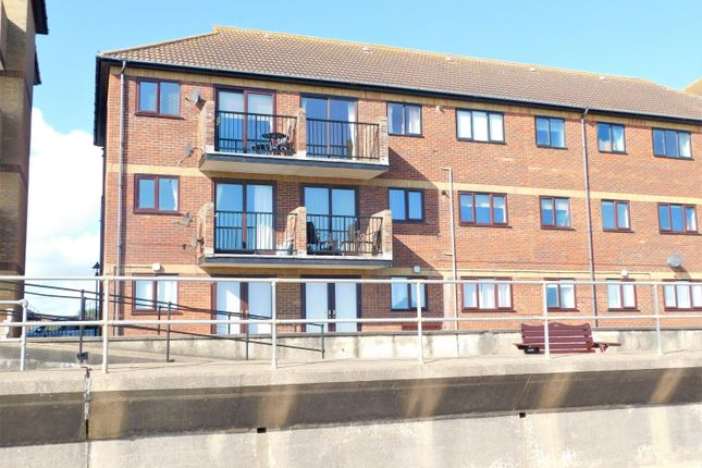 Thumbnail Flat for sale in Queens Park Close, Mablethorpe