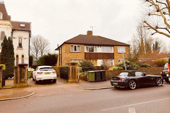 2 bed flat to rent in Karen Court, Wickham Road, London SE4