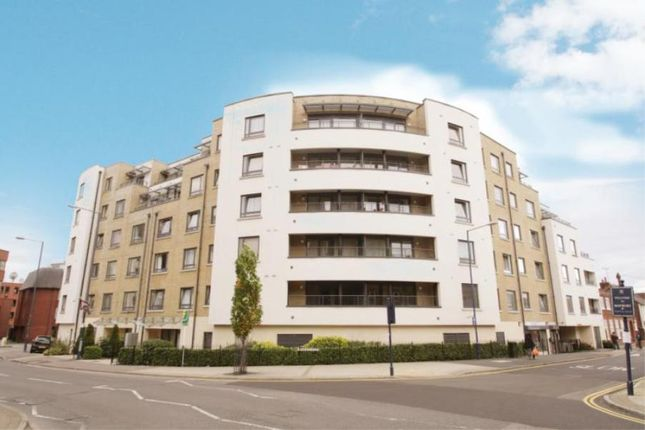 Thumbnail Flat to rent in Stanley Road, Woking, Surrey