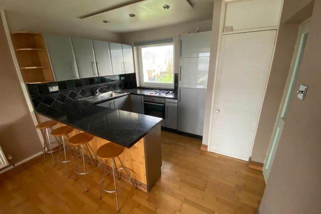 2 bed flat to rent in Ffordd Glyder, Y Felinheli LL56