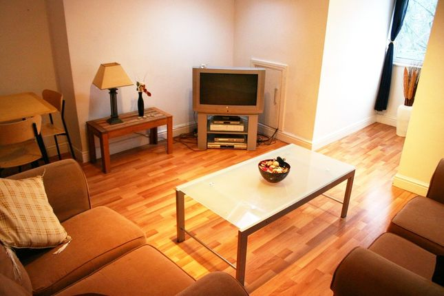 Thumbnail Flat to rent in Ladybarn Road, Fallowfield, Manchester
