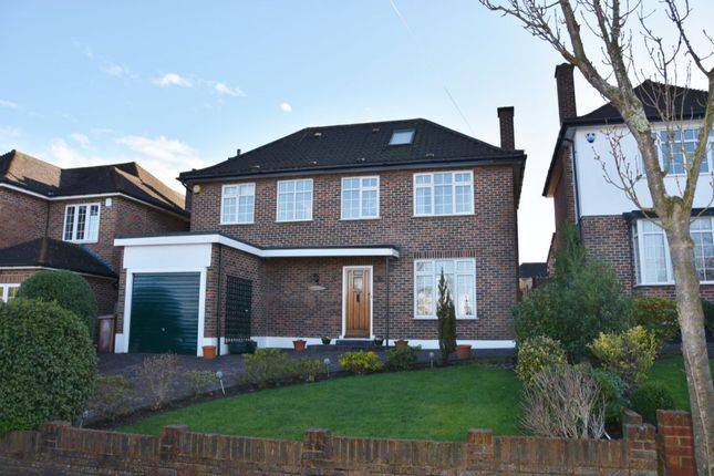 Thumbnail Detached house for sale in Stratton Avenue, Wallington