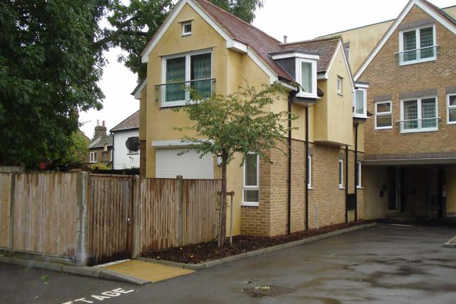Thumbnail Flat to rent in Little Acorns, High Street, Slough