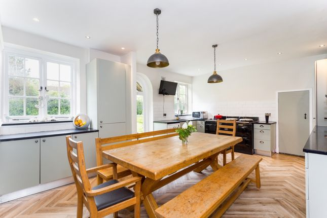 Thumbnail Detached house to rent in Church Street, Henfield