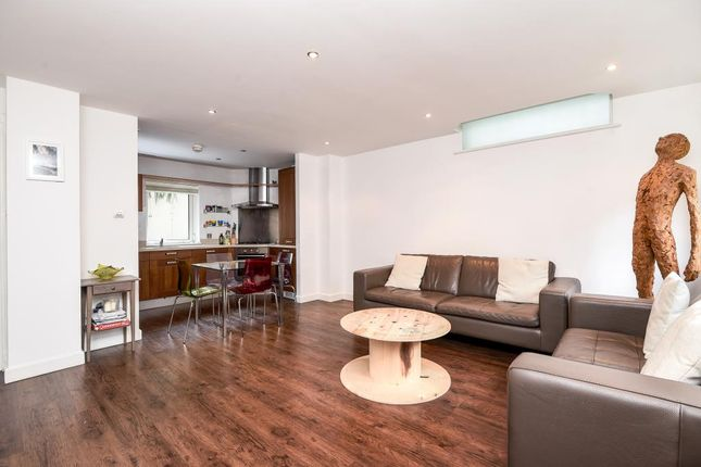 Maisonette For Sale In St. Edmunds Terrace, St Johns Wood NW8,