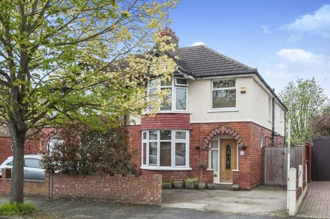 4 bed semi-detached house for sale in Wellsprings Road, Gloucester, Gloucestershire