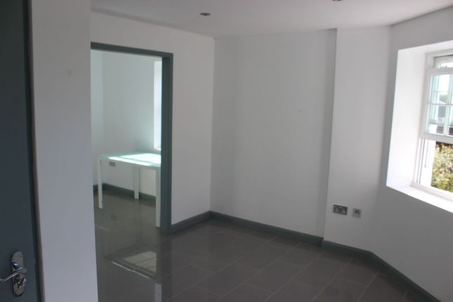 Thumbnail Flat to rent in Culmore Road, London