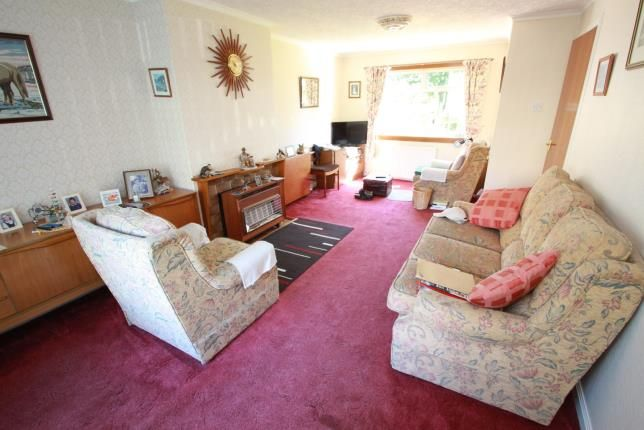 Lounge of Lundin Crescent, Glenrothes, Fife KY7