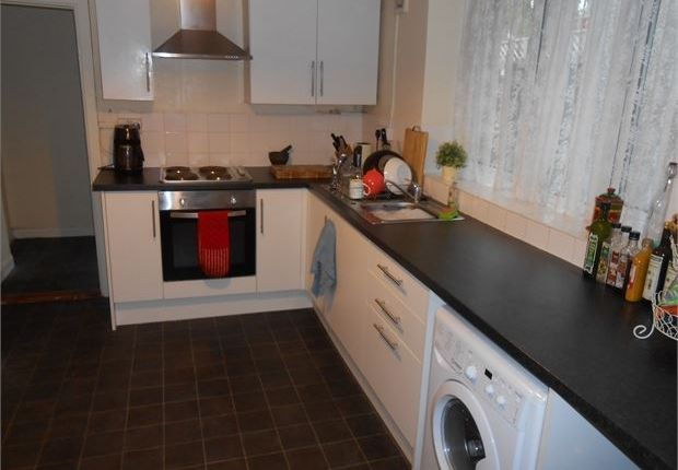 3 bed terraced house to rent in Pleasant Street, Morriston, Swansea, West Glamorgan.