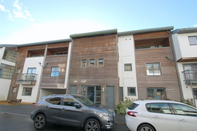 Thumbnail Flat for sale in Endeavour Court, Stoke, Plymouth