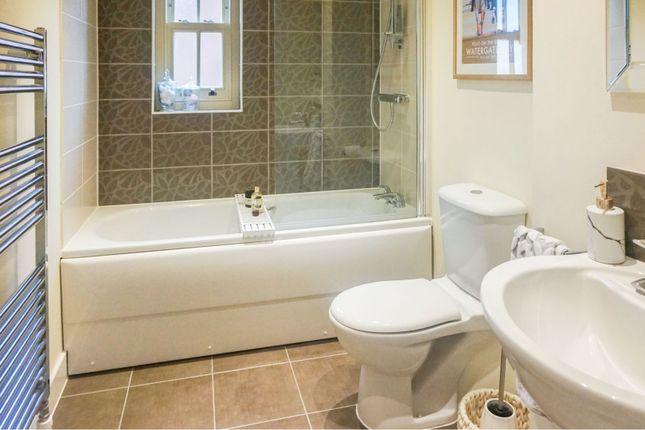 Bathroom of Oak Park Lane, Leeds LS16