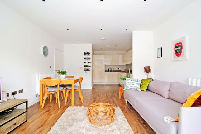 Thumbnail Flat for sale in Rolfe Terrace, Woolwich