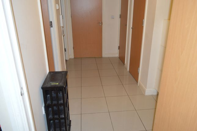 Thumbnail Flat for sale in City Gate House, Eastern Avenue, Ilford