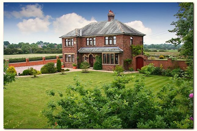 Thumbnail Detached house for sale in Freckleton Road, Kirkham