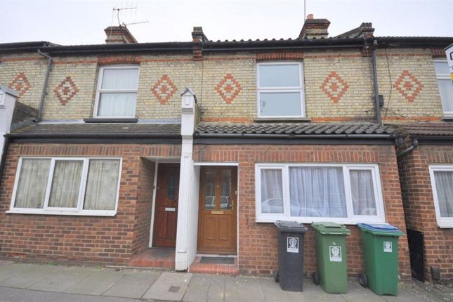 Thumbnail Room to rent in House Share, Leavesden Road