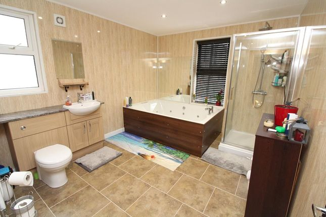 Bathroom/wc of Turret Grove, Mannamead, Plymouth PL4